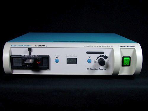 Smith & Nephew Dyonics 300XL Xenon Light Source