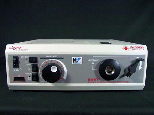 Stryker Endoscopy Quantum 5000 Universal Light Source with ESST